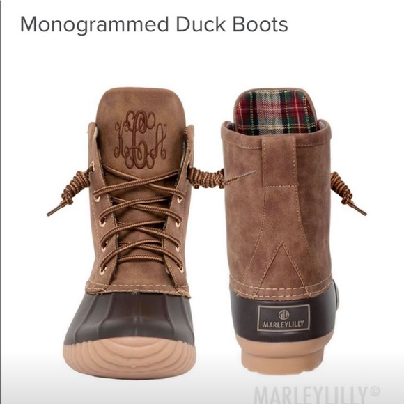 e7e55dd14e15c Monogrammed Marley Lilly duck boots {hJe}